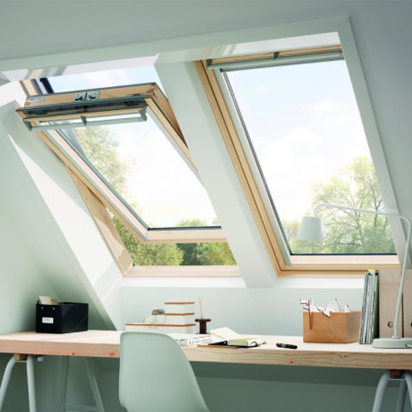 VELUX Schwingfenster GGL 3066 Holz klar ENERGIE PLUS PK08