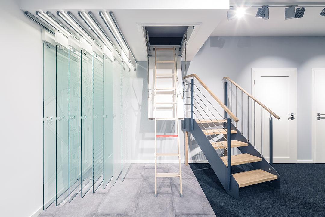 Treppe-Tuerenstudio-Ausstellungen