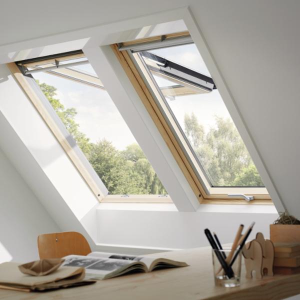 VELUX Klapp-Schwing Fenster GPL 3066 Holz klar ENERGIE PLUS UK04