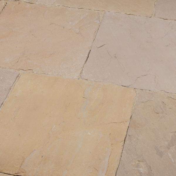 Seltra Naturstein Terassenplatte Mandra Extra Sandstein Römischer Verband gelb hellbeige 3cm Kombilage 4 verschiedene Formate